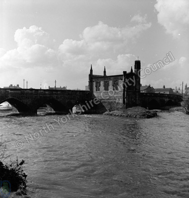 Chantry Chapel & Bridge, River Calder, Wakefield